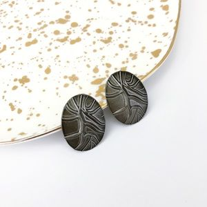 Jewelry - Vintage Silver Pewter stamped Oval Stud Earring